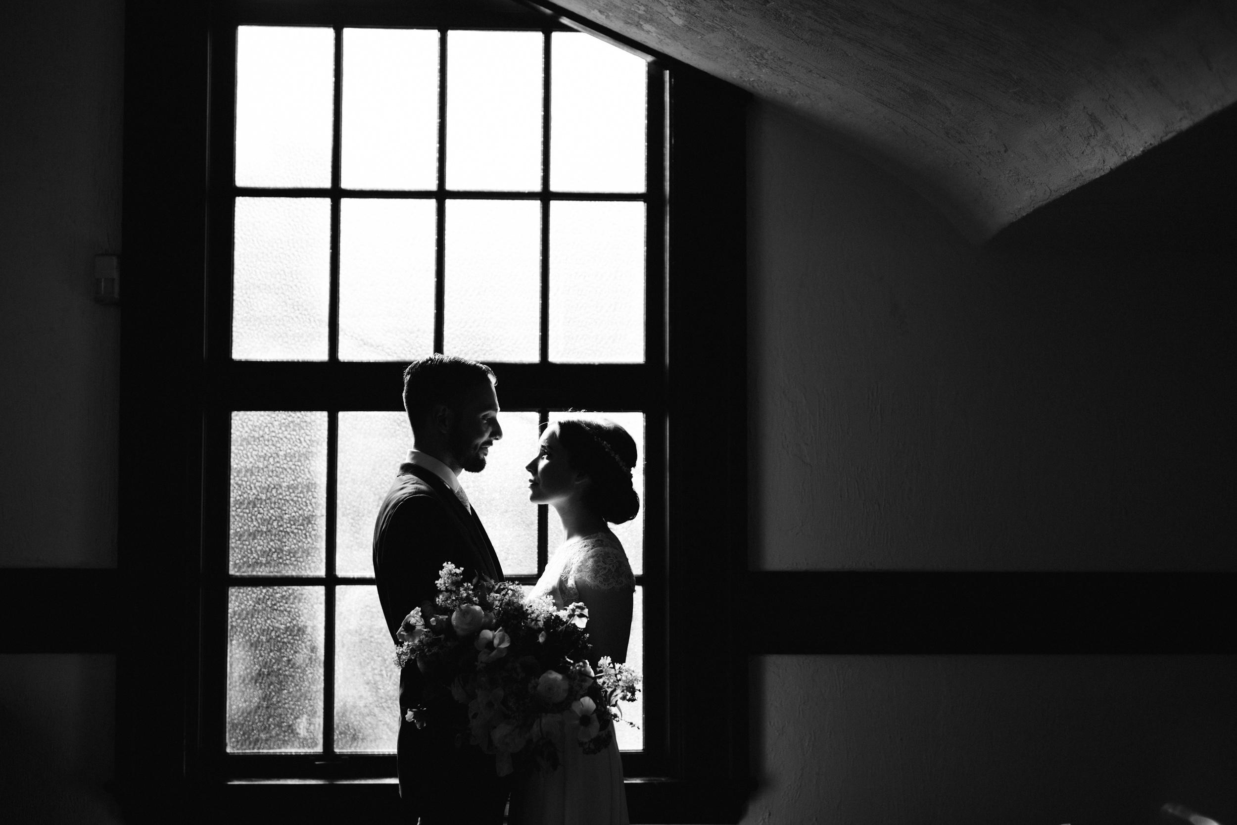 Intimate Portland Oregon wedding photographed by Jess Hunter, stylish air bnb in Portland for bride getting ready, Door of Hope wedding in Portland, Sarah Seven wedding dress, Anthropologie wedding, artistic bride and groom portraits