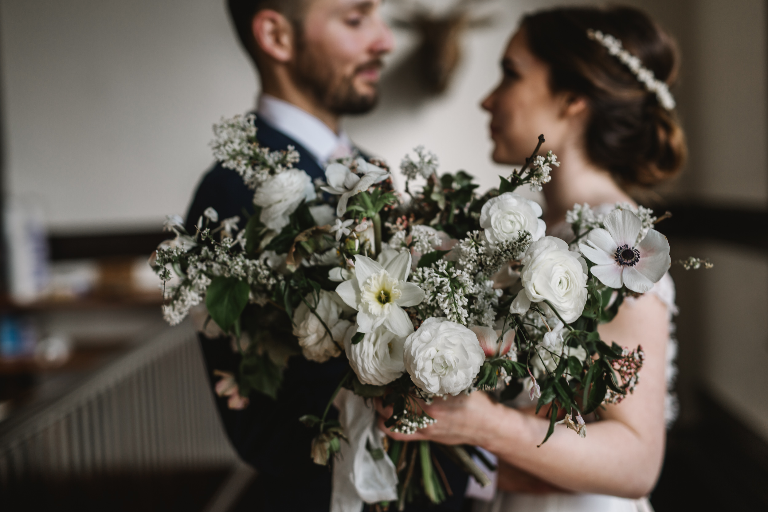 Intimate Portland Oregon wedding photographed by Jess Hunter, stylish air bnb in Portland for bride getting ready, Door of Hope wedding in Portland, Sarah Seven wedding dress, Anthropologie wedding, artistic bride and groom portraits, lush and wild bridal bouquet