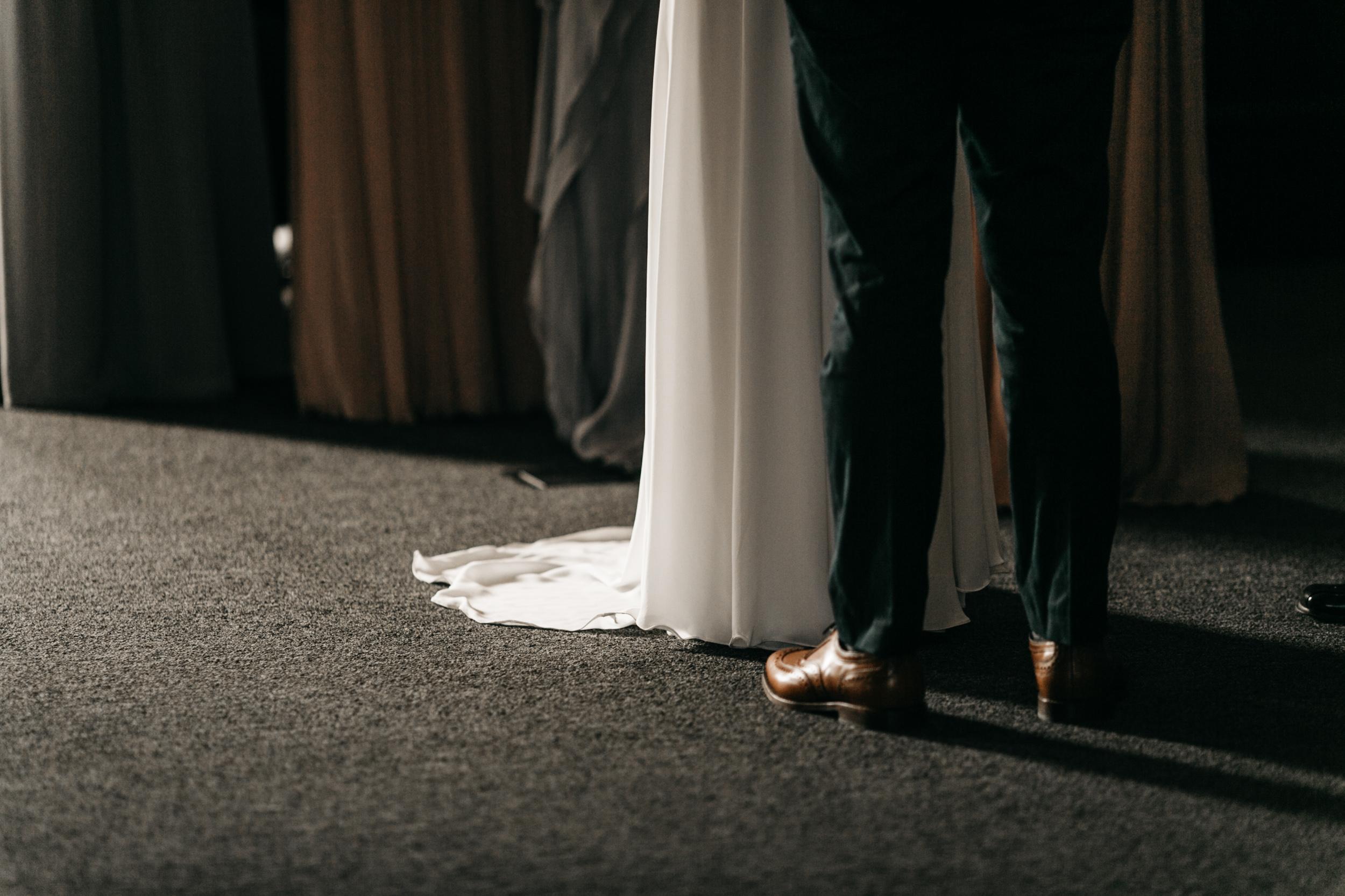 Intimate Portland Oregon wedding photographed by Jess Hunter, stylish air bnb in Portland for bride getting ready, Door of Hope wedding in Portland, Sarah Seven wedding dress, Anthropologie wedding, emotional wedding day moments