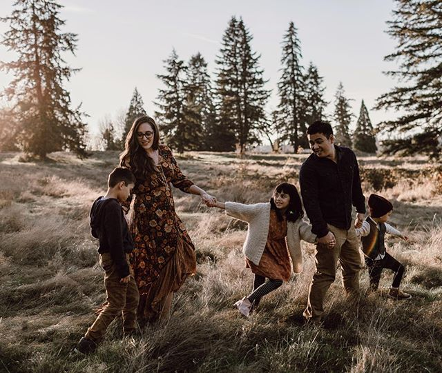 "My favorite lady, @abeillephotography, and her little tribe who I love dearly. // I haven't ""actively"" advertised family sessions in a long time, but I've decided to offer them through the spring and summer. If you're into a more lifestyle + artistic approach and looking for family photos, email me 🙌🏻"