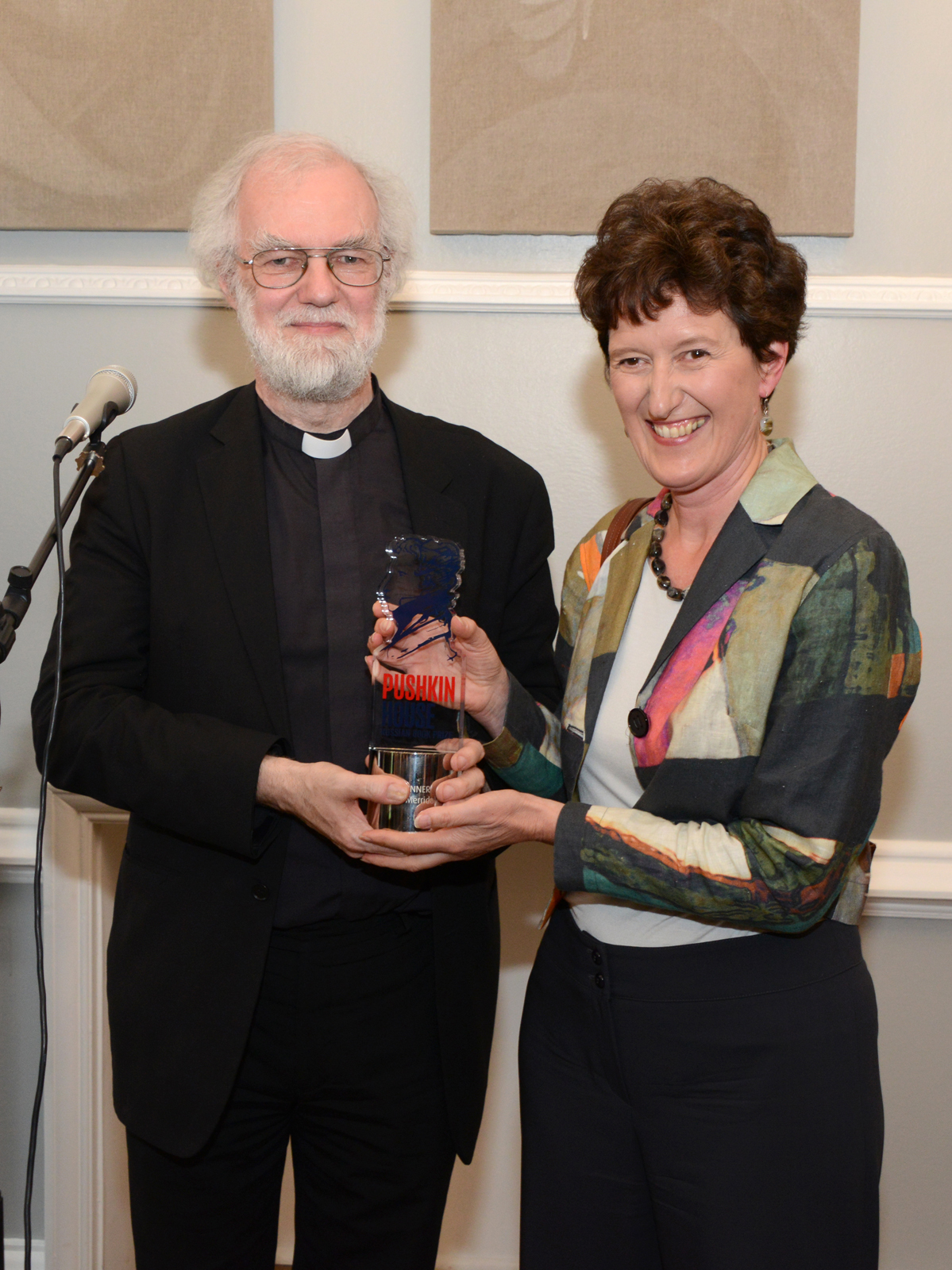 Dr Rowan Williams hands Catherine Merridale the 2014 Pushkin House Book Prize