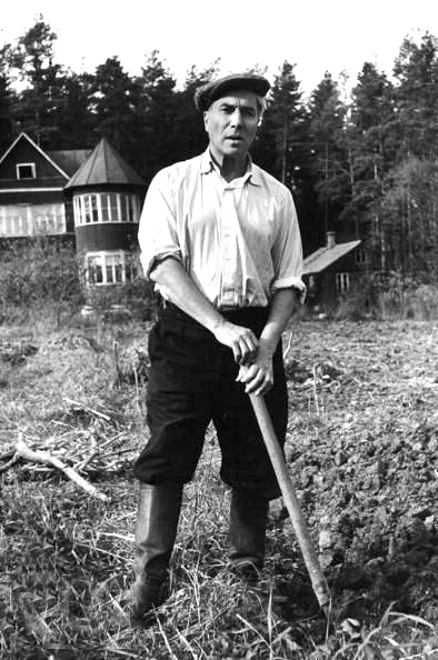 Boris Pasternak digging a potato patch at his dacha in Peredelkino, near Moscow, in the summer of 1958. LIFE magazine..jpg