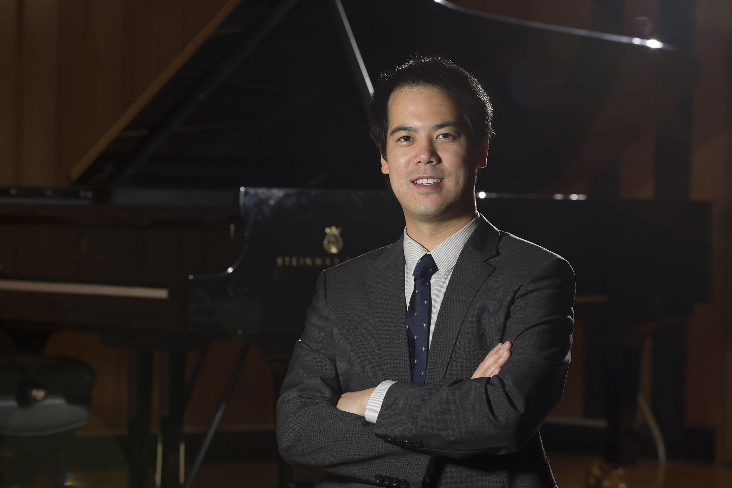 Frank Huang, piano