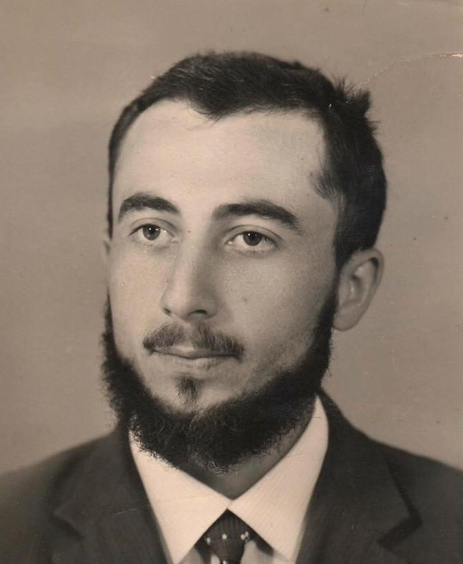 Ali H.jpg