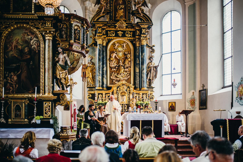 Hochzeitsreportage vogelsfotos destination Saalbach M&W-045.jpg