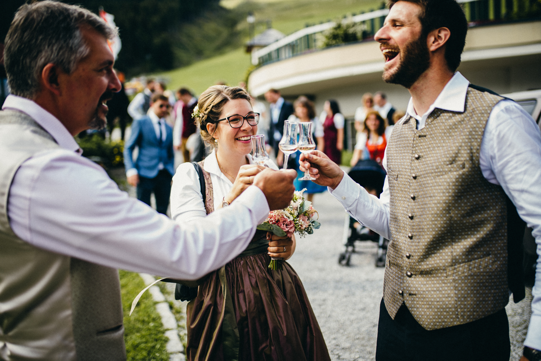 Hochzeitsreportage vogelsfotos destination Saalbach M&W-070.jpg
