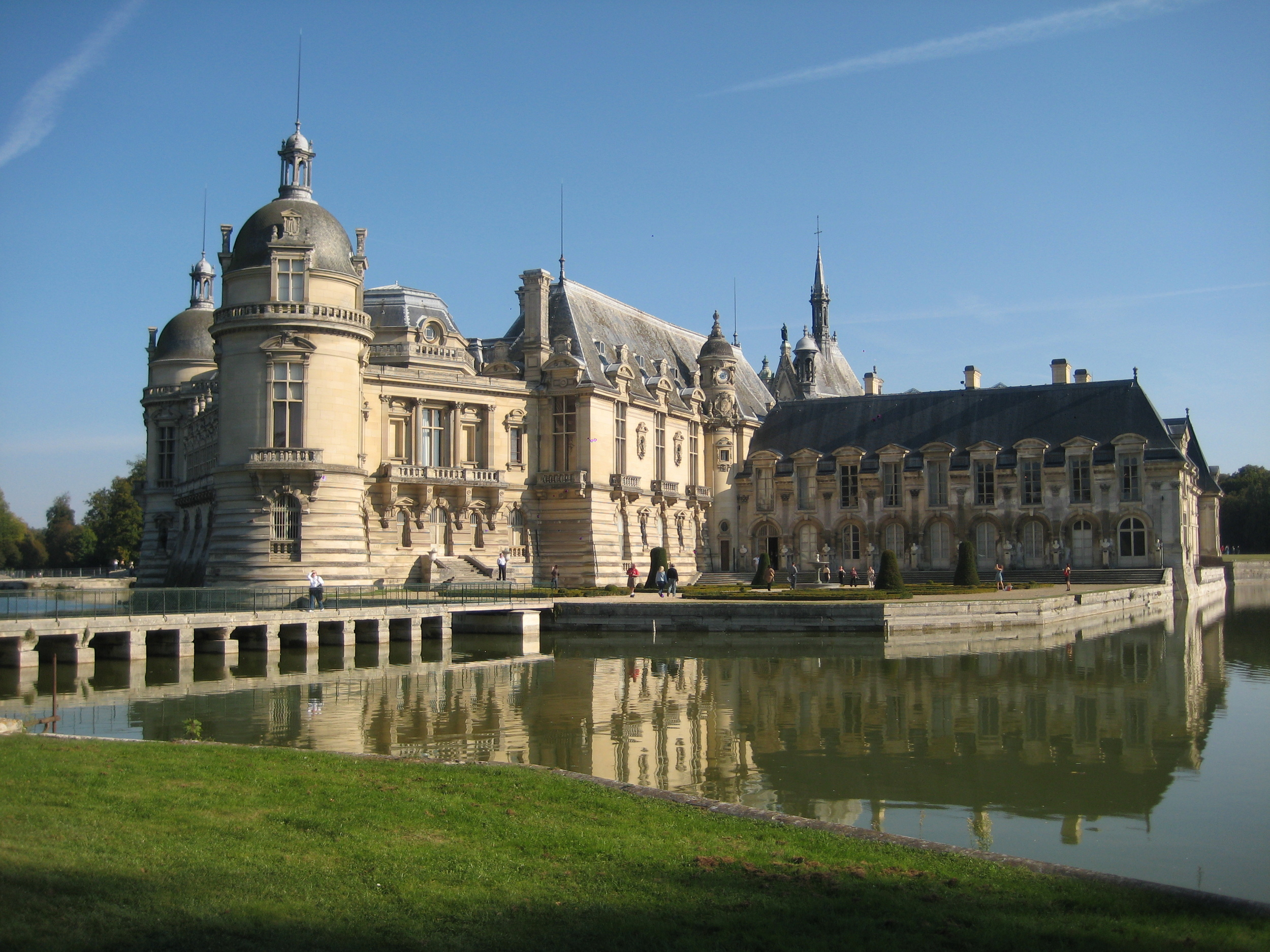 Chateau_de_Chantilly_01.jpg