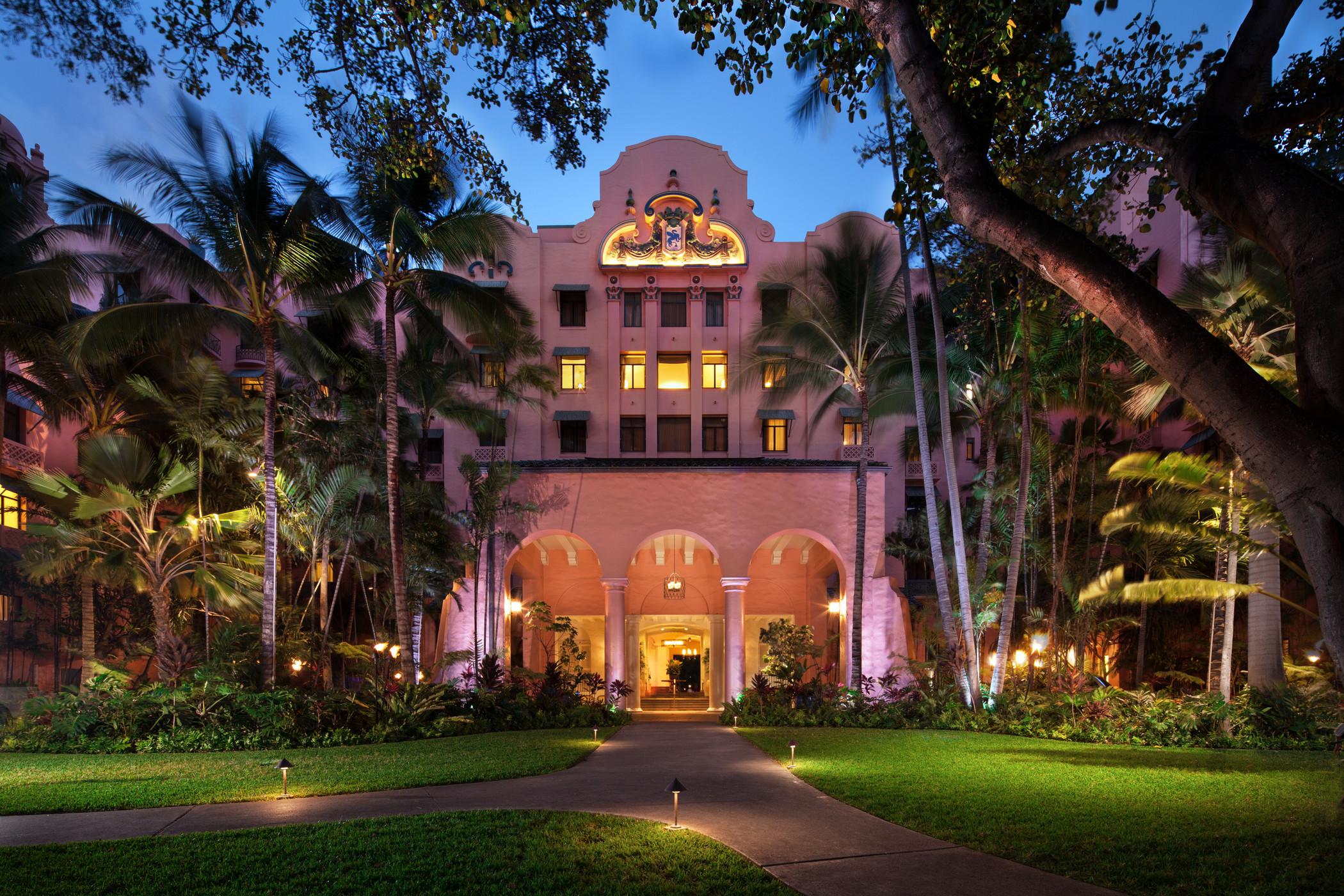 USA-Hawaii-Oahu-Royal Hawaiian-Entrance.jpg