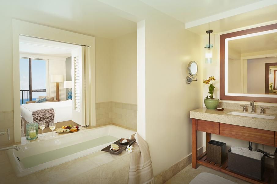 USA-Hawaii-Oahu-Turtle Bay Resort-Premier Room Bathroom.jpg
