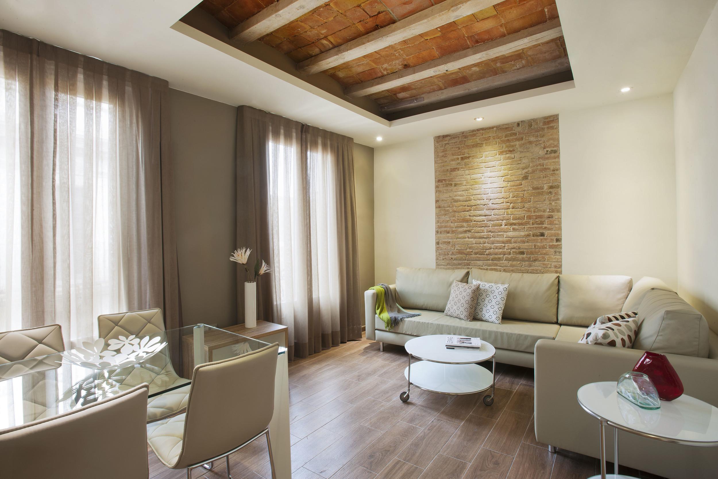 BCN APT MILA Deluxe living room.JPG