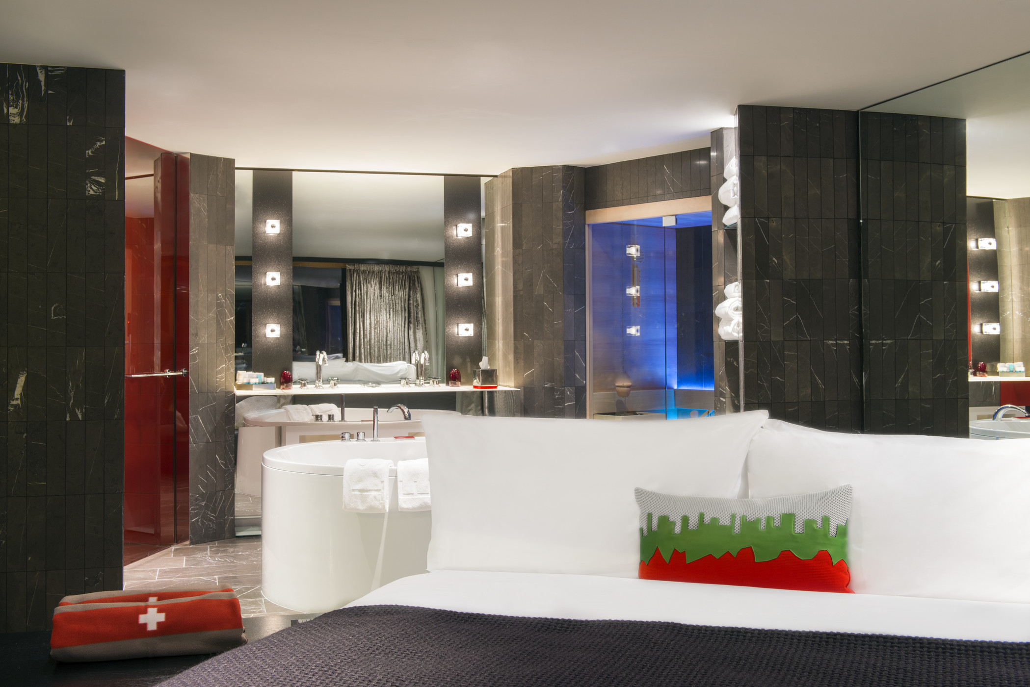 who3429gr-148242-EWOW Suite Bedroom.jpg