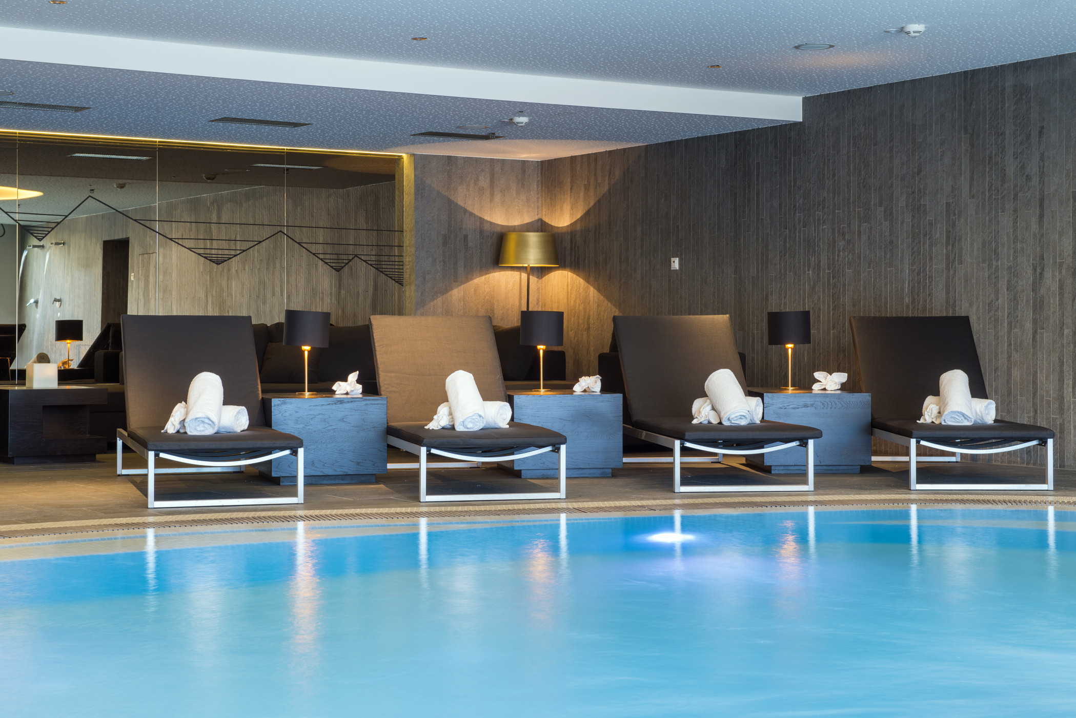 who3429po-144699-WET Pool Lounge.jpg