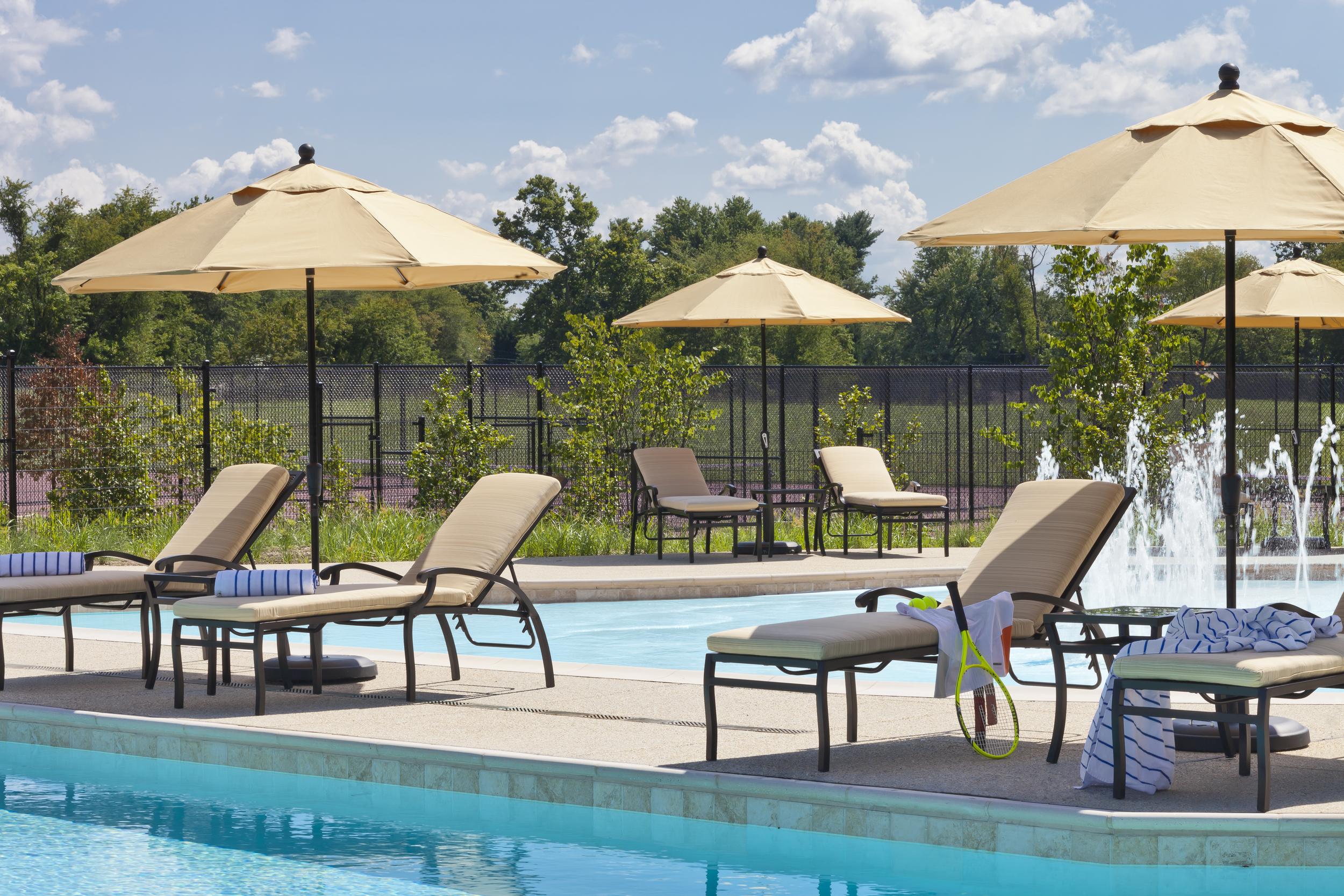 Outdoor-Pool-Tennis.jpg
