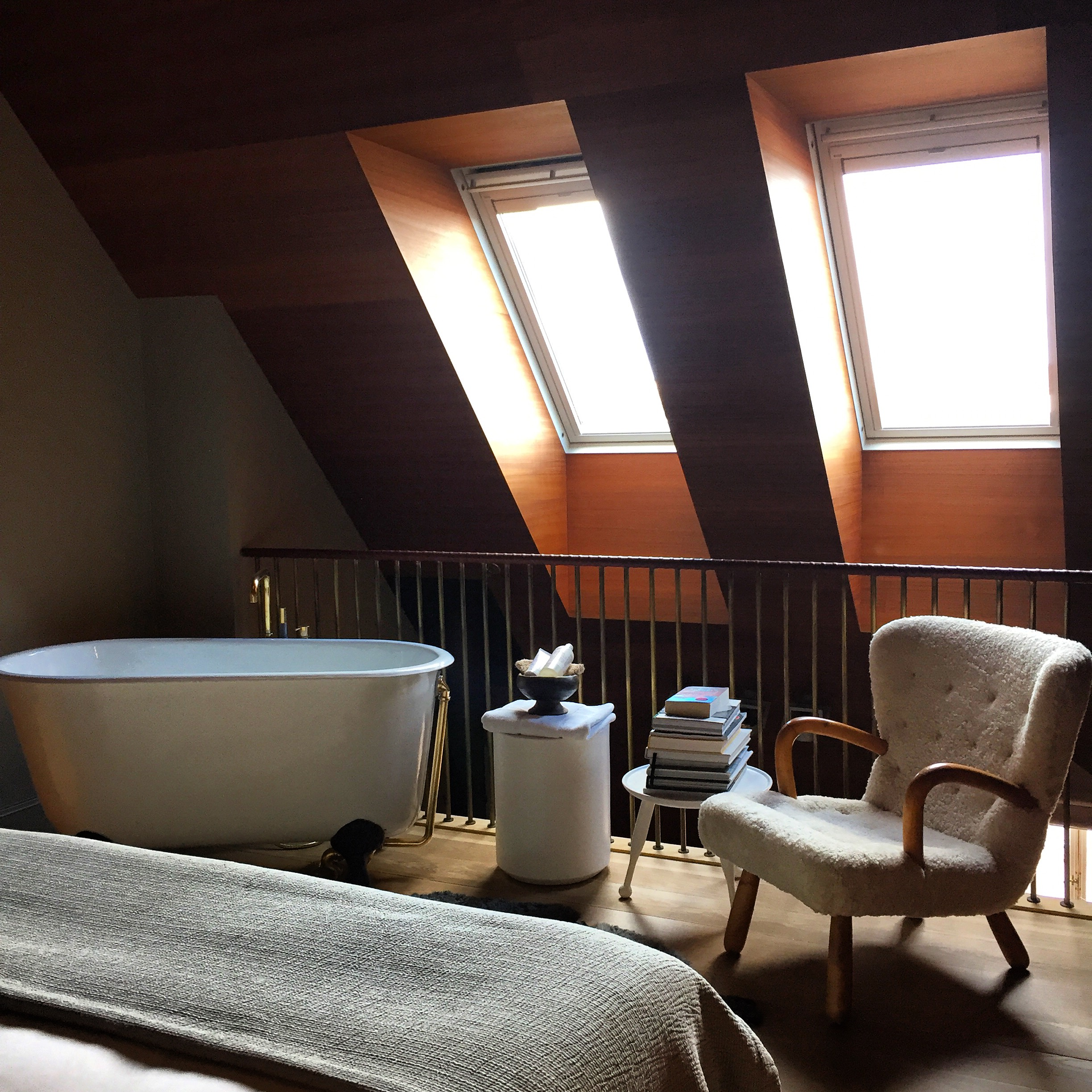 Our very own Monique stayed in this fabulous suite at Ett Hem in Stockholm over the weekend. #jetset