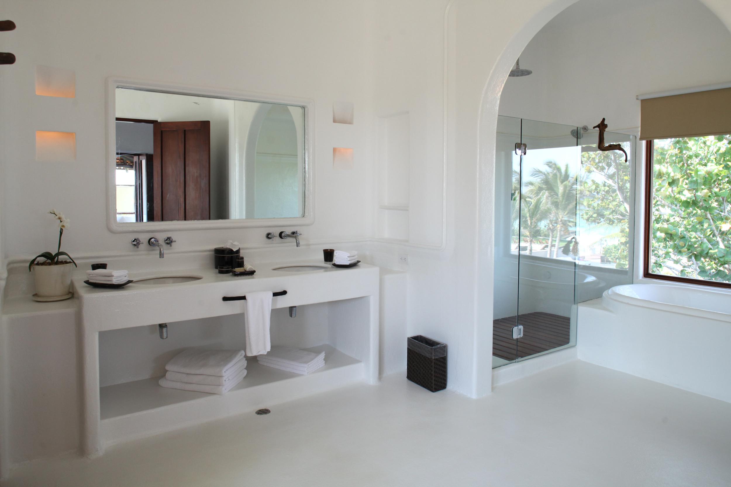 Rosa Bathroom.jpg