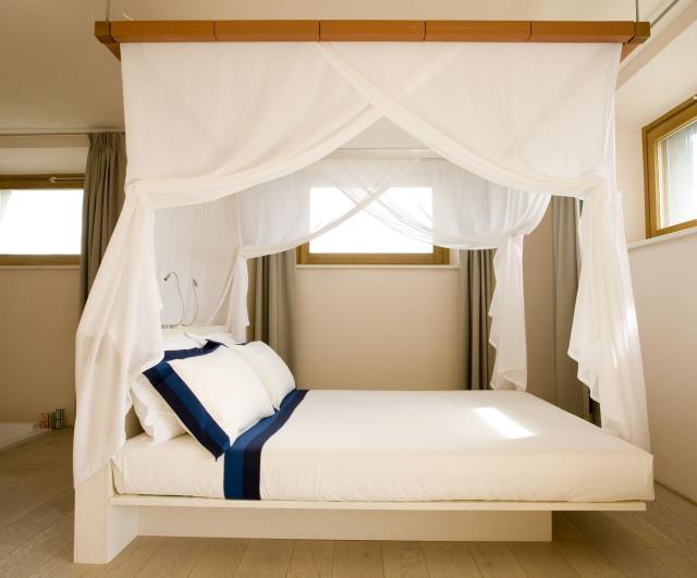 Europe-Italy-Tuscany-La+Bandita-Bedroom.jpg