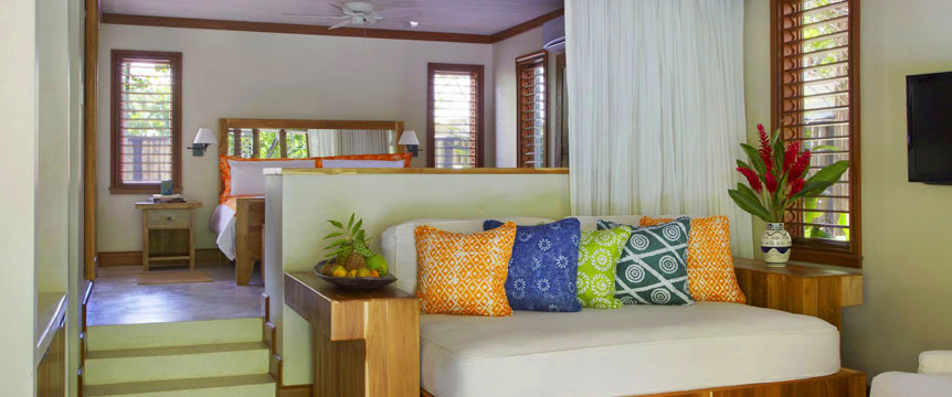 7-GoldenEye-Beach-Villa-Interior.jpg