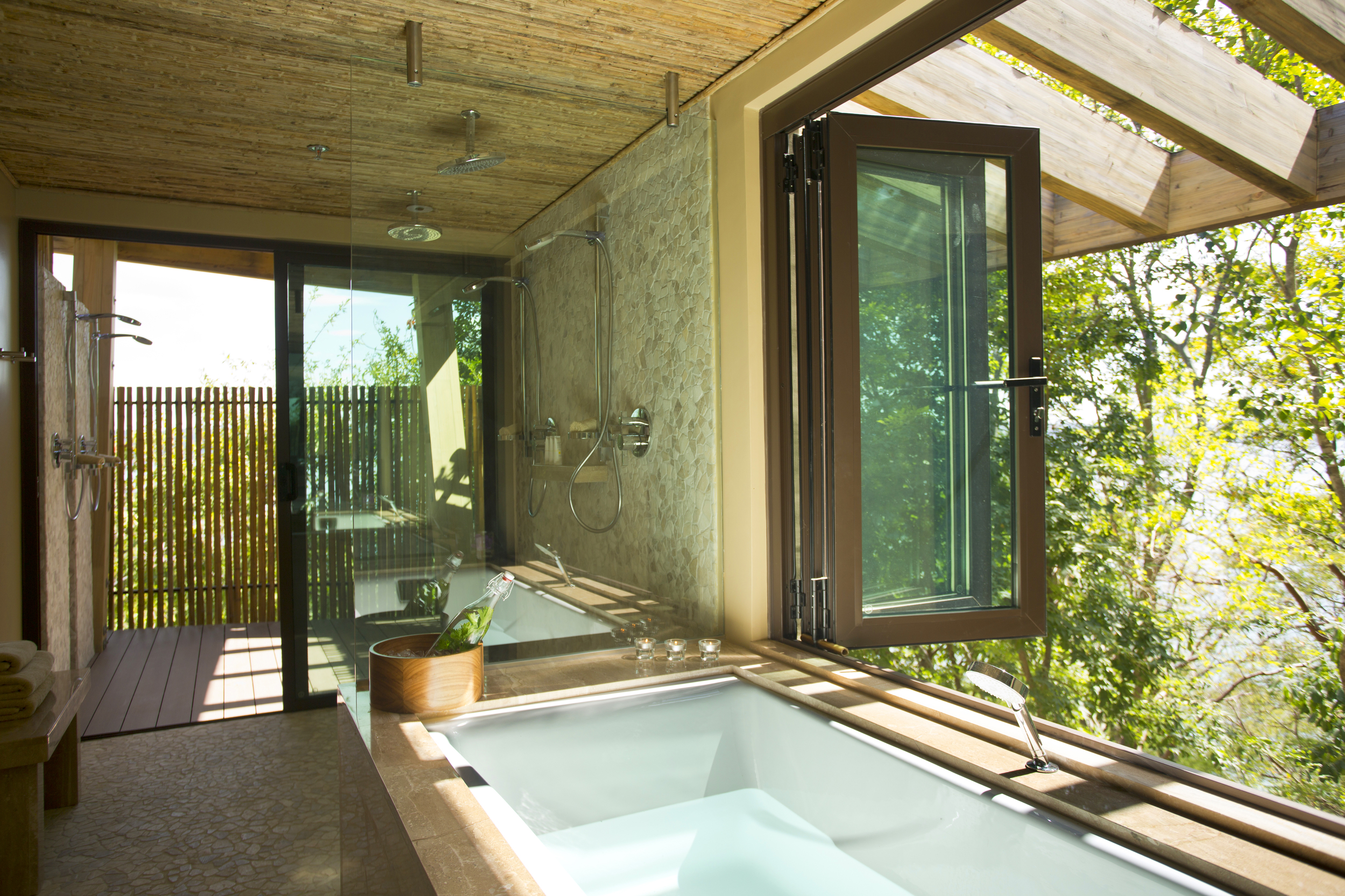 South_America_Costa_Rica_Andaz_Tub.jpg