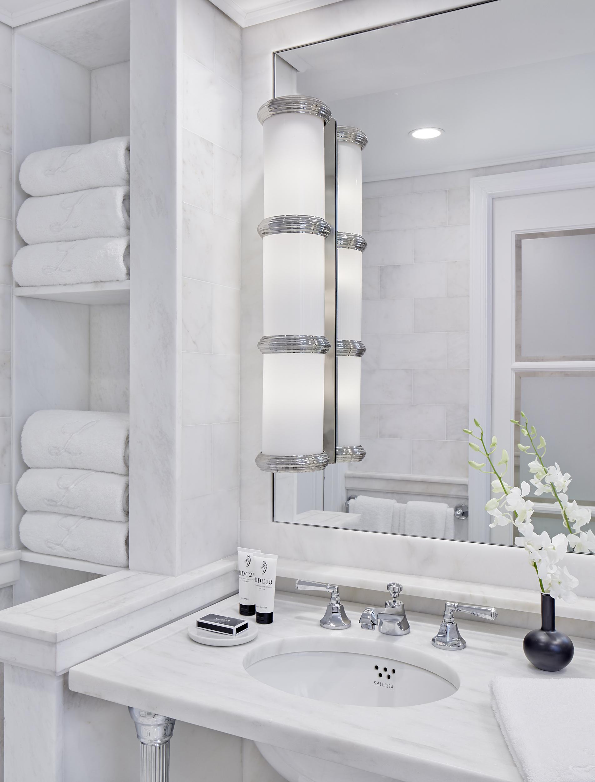 Lowell King Bathroom.jpg