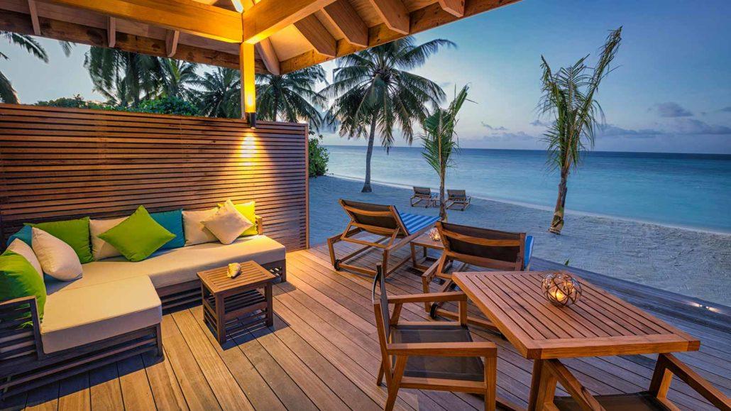 Hurawalhi_Sunrise_Beach_Villa_Deck-1030x579.jpg