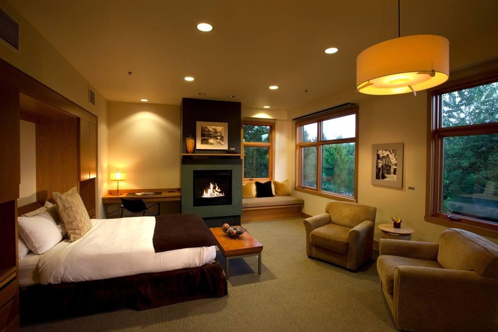 Cedar Brook-Studio Suite.jpg