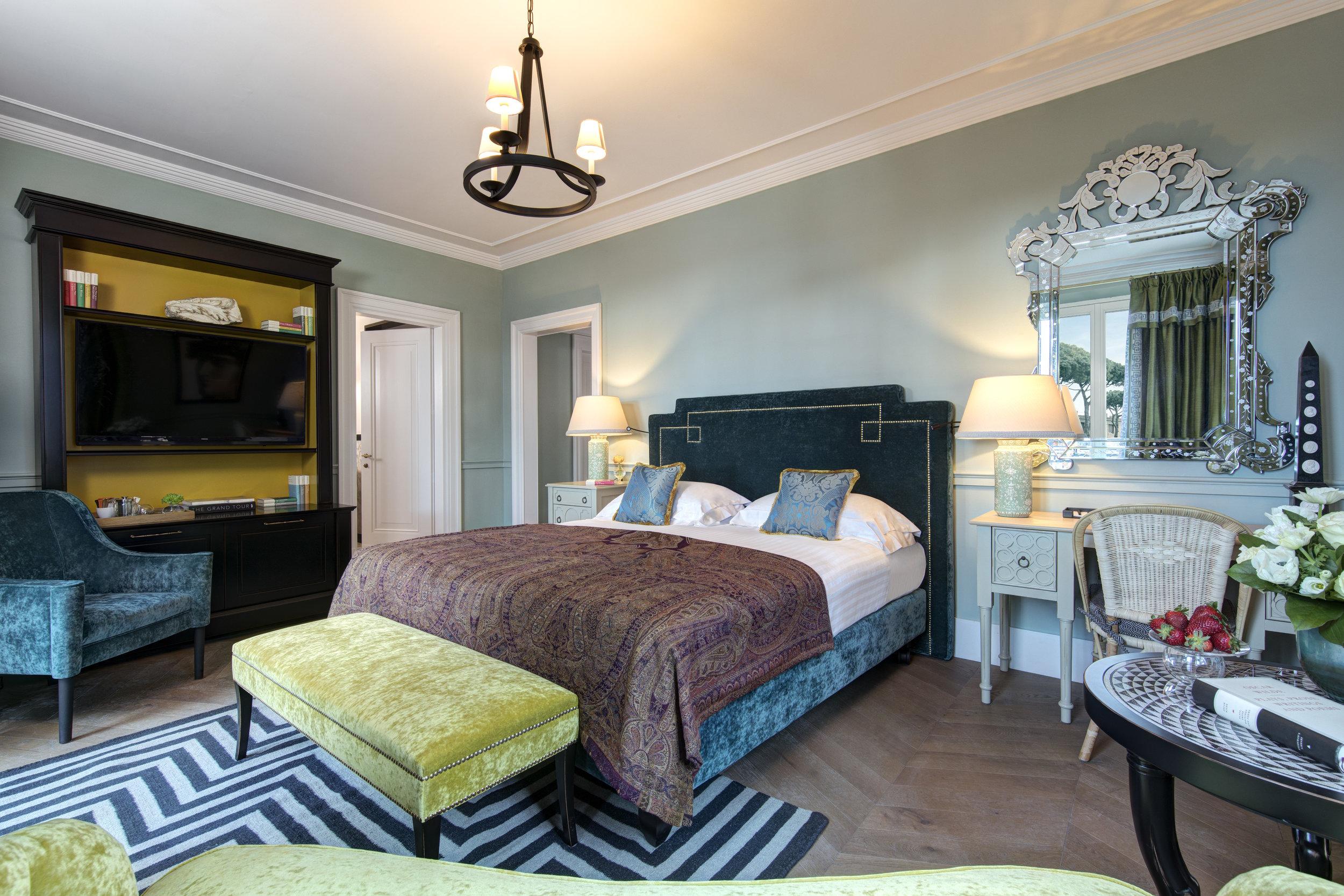 RFH Hotel de la Ville -  Junior Suite - Bedroom - Controcampo.JPG