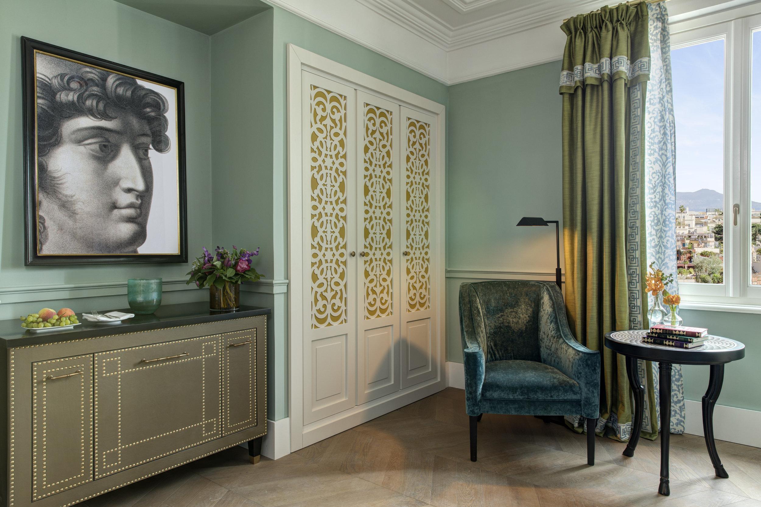 RFH Hotel de la Ville - Premium Room  - Detail.JPG