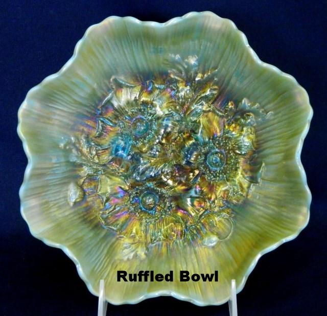 Ruffled edge bowl