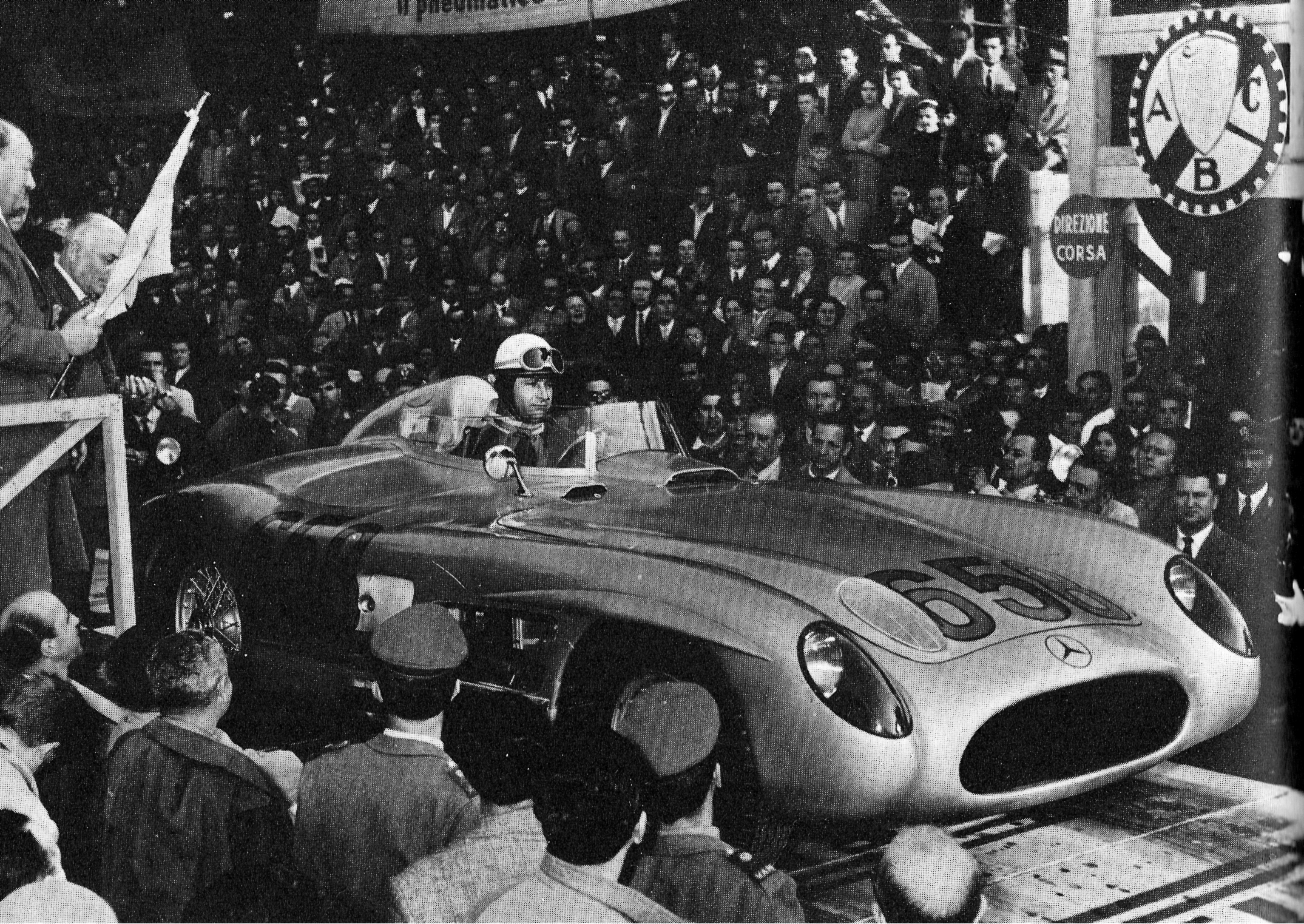 Fangio's 300 SLR, at the line