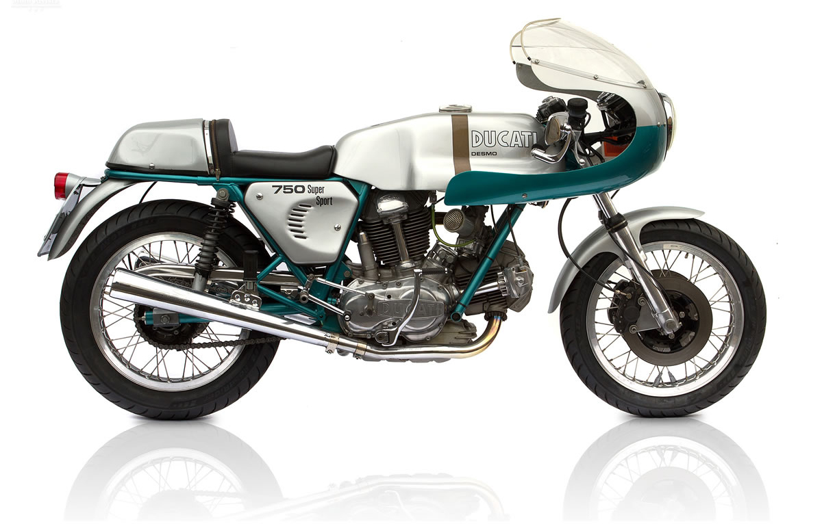 Replica-Green-frame-Ducati-750-SS-by-Deus-Ex-Machina1.jpg