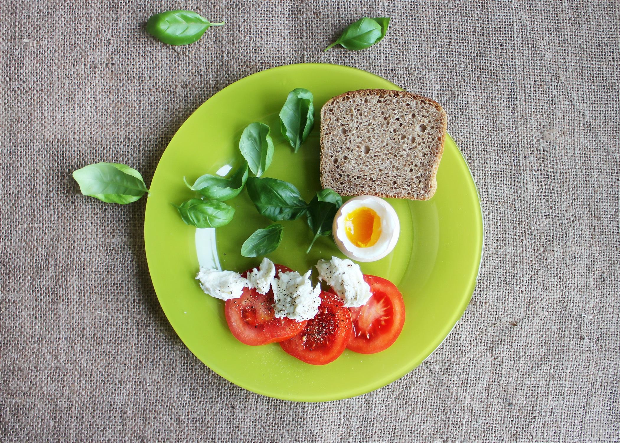 tomatoes-447170.jpg