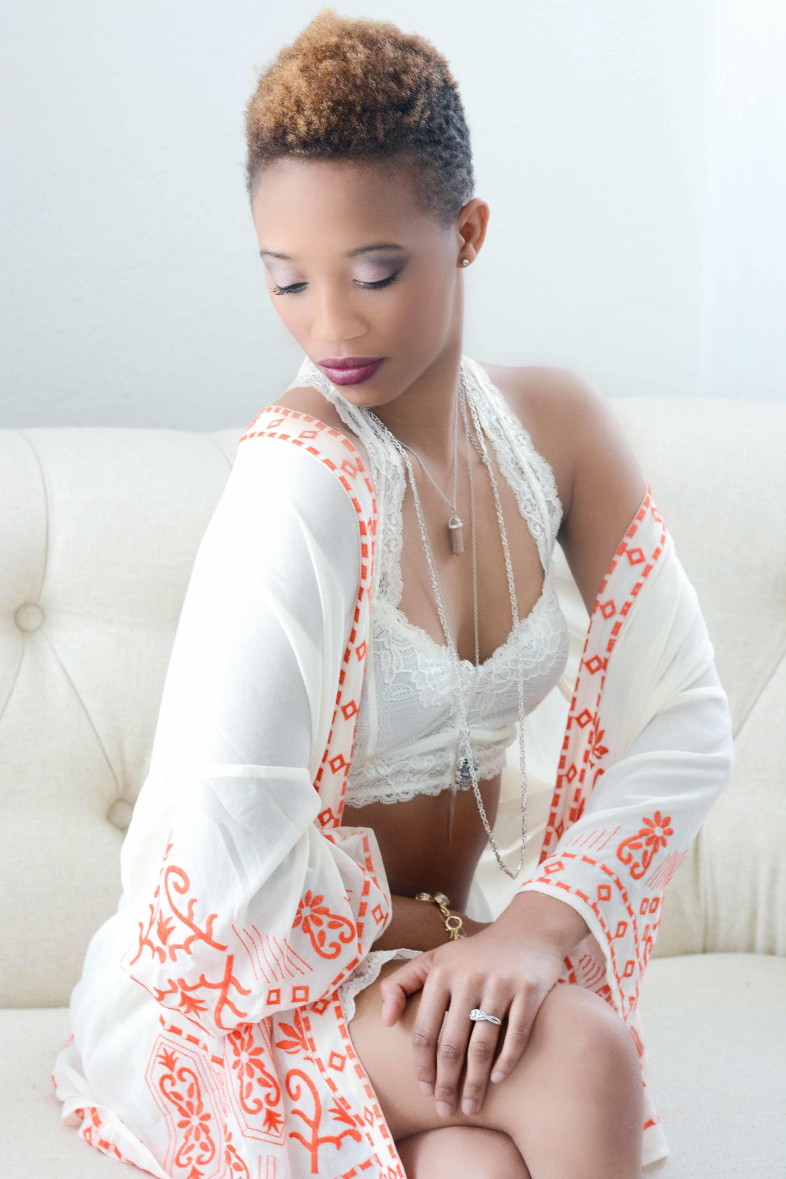 How to showoff your regal beauty in a boudoir session.  Dallas Boudoir Photography.  Wonderland Boudoir