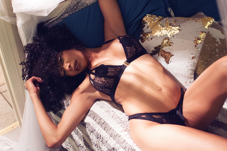 Classy, Boudoir ,Nude, Photography, Dallas Texas, Wonderland Boudoir