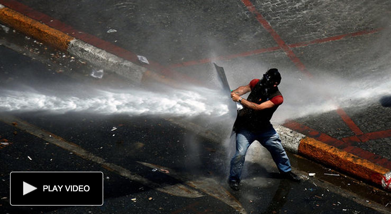 Kostas Tsironis/Associated Press