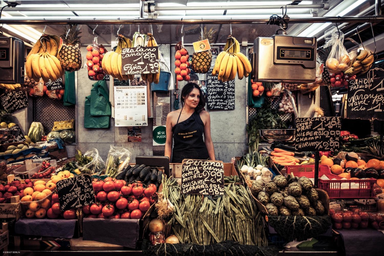 18-Chica Selling Fruit (1500x1000).jpg