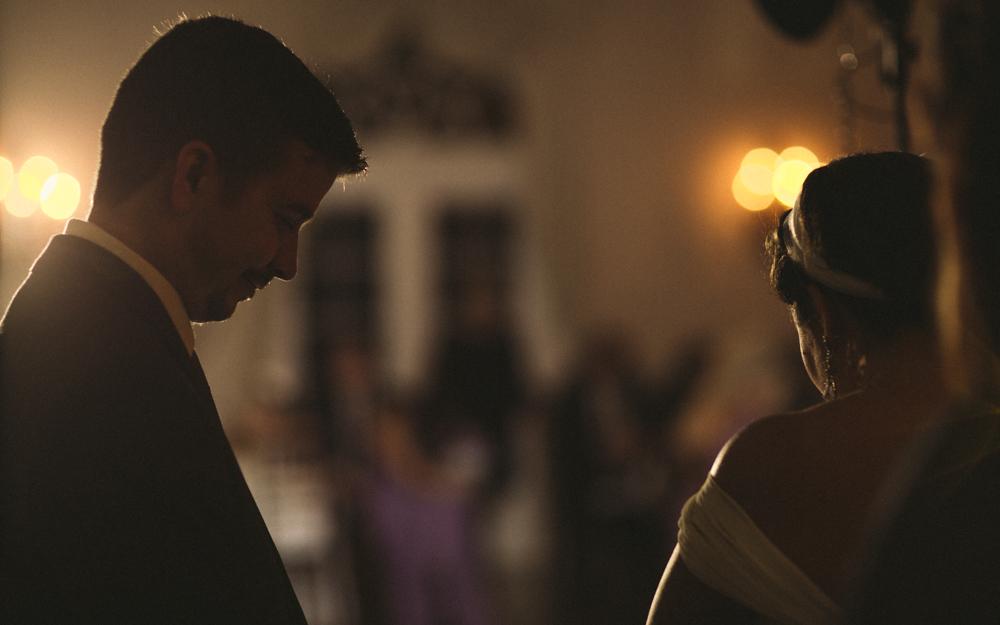 28 bridde and groom praying