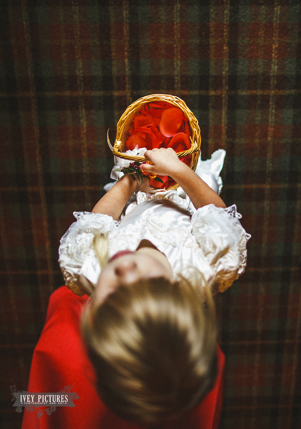 flowergirl with basket