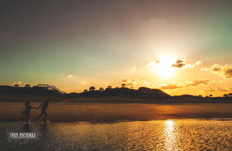 sunset engagement photo jacksonville