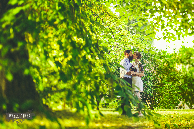 beautiful backyard wedding in jacksonville