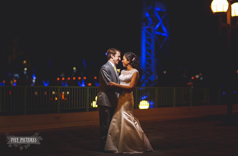 jacksonville skyline wedding photo