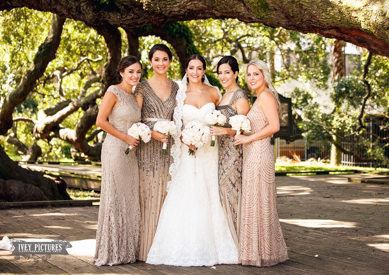 bridal party at treaty oak