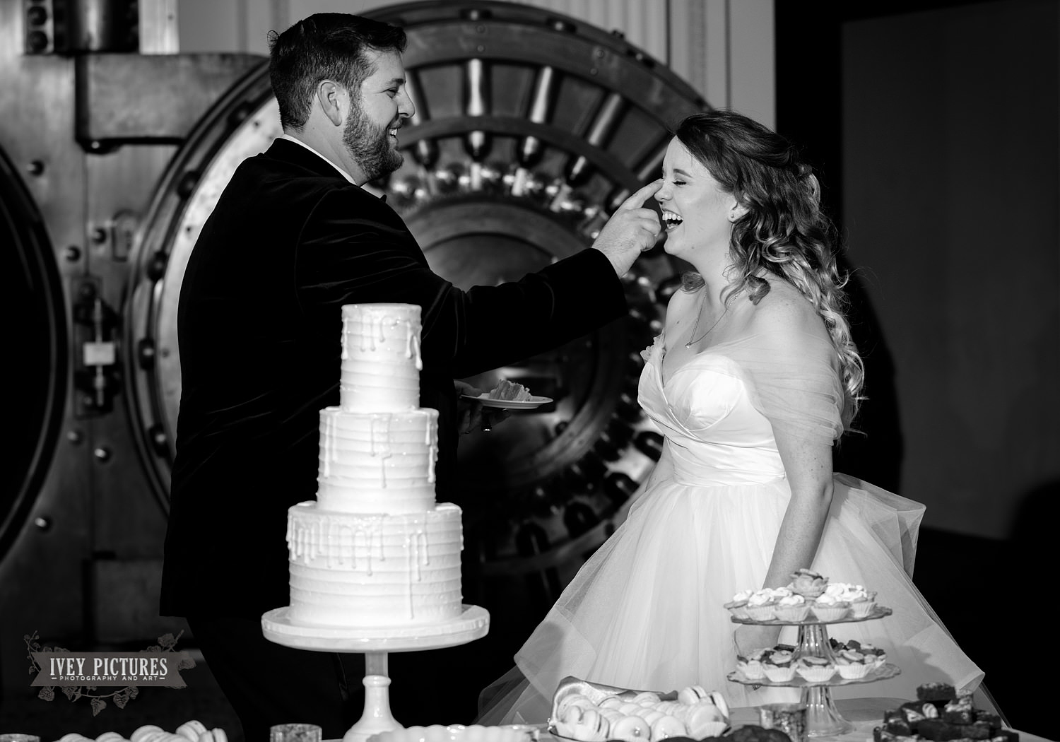 cute cake cutting