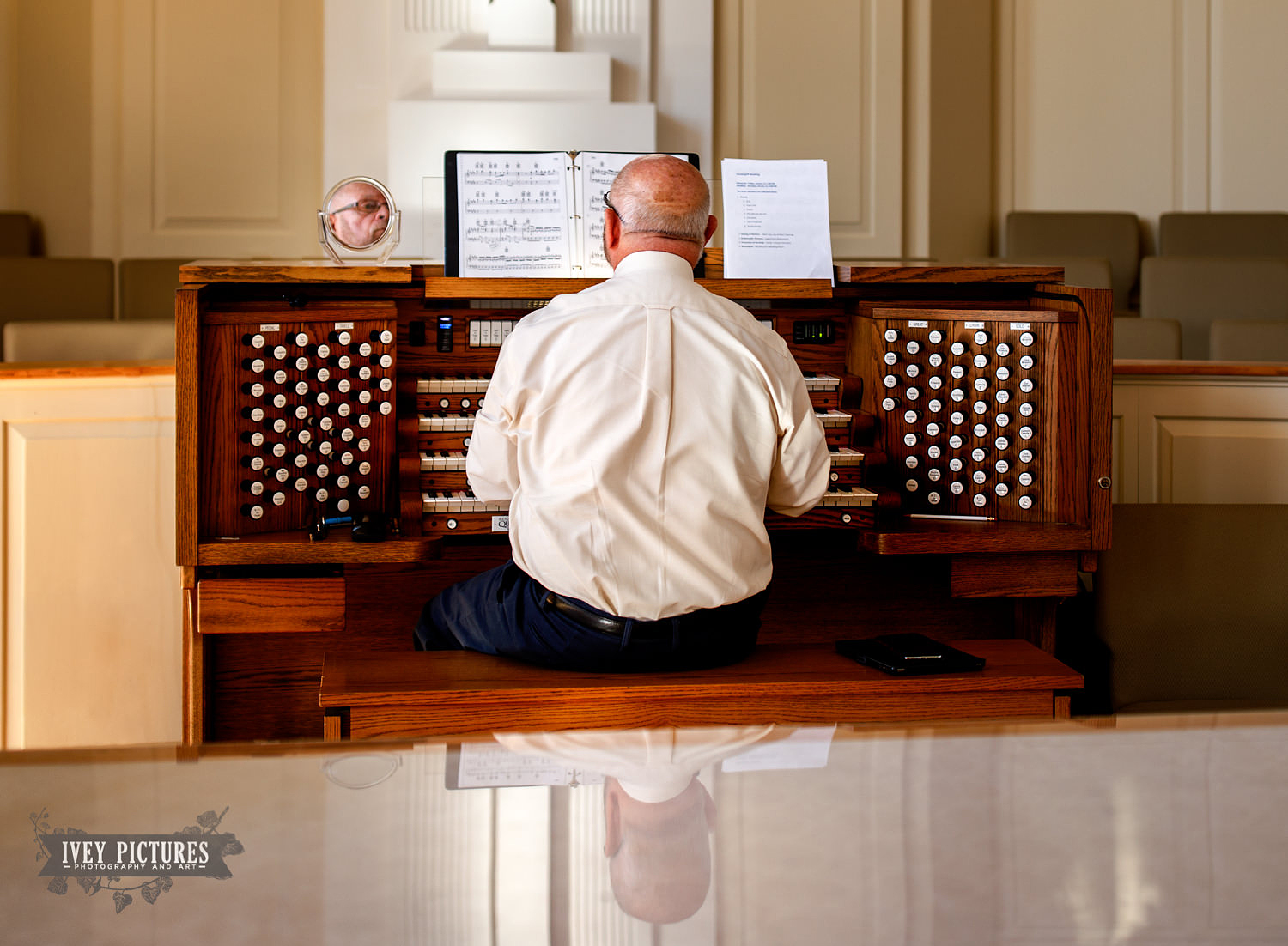 organist at wedding