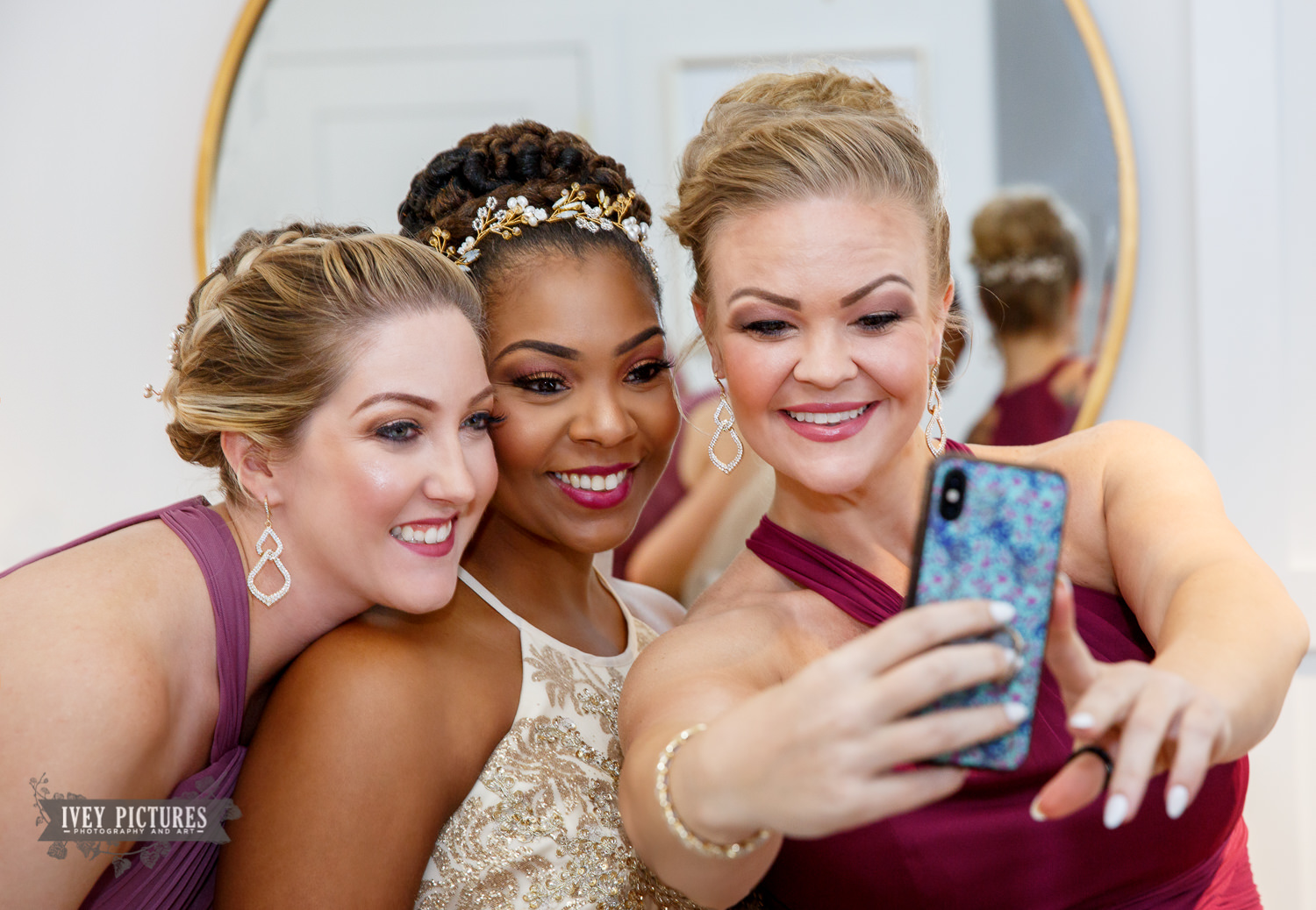 bride selfie with bridesmaids