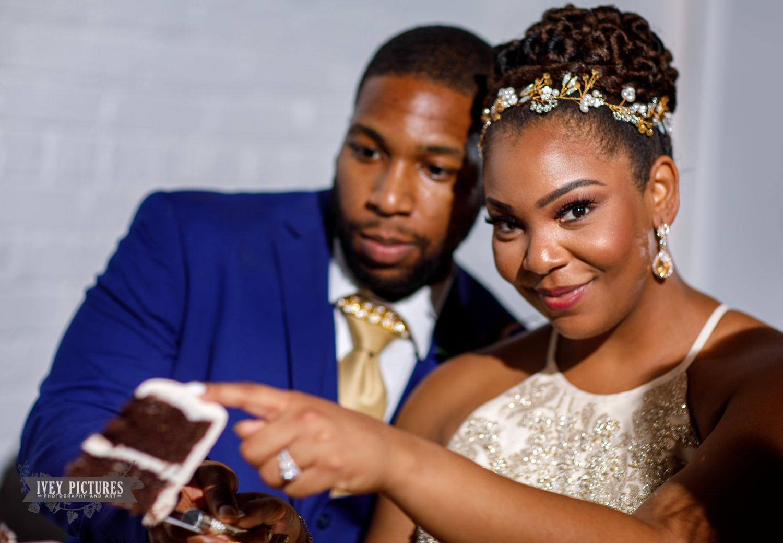 cash smash at wedding