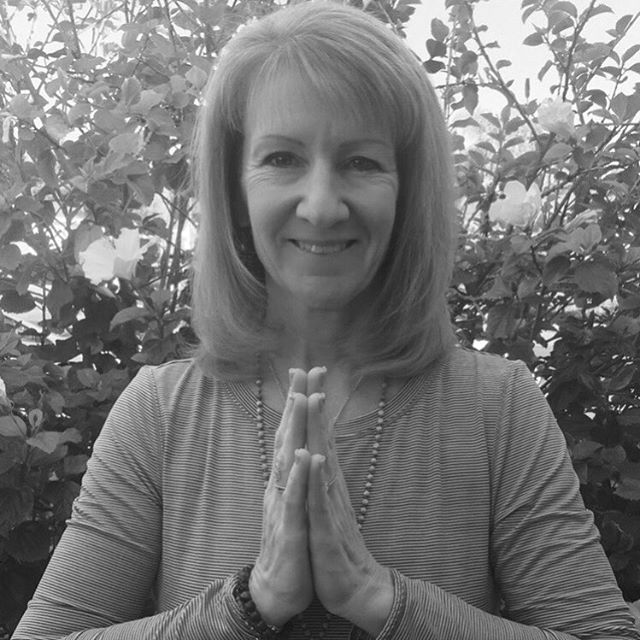 We are so blessed to now have this beautiful human guide our 8-9pm Yin and Sound Energy class every Wednesday! Welcome to the Yoga Sapien family, Lynette Dobos!! Your voice, your passion, and your warm vibes are simply heaven! We love you! 💕🕉🙏🏻