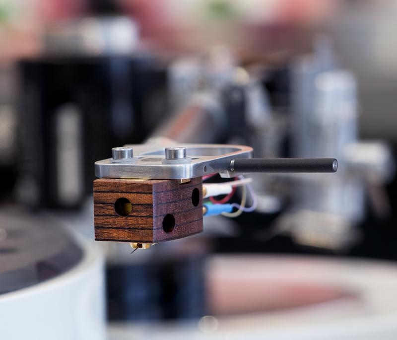 SteinMusic Aventurin 6 stereo MC cartridge © 2015 Wes Bender.