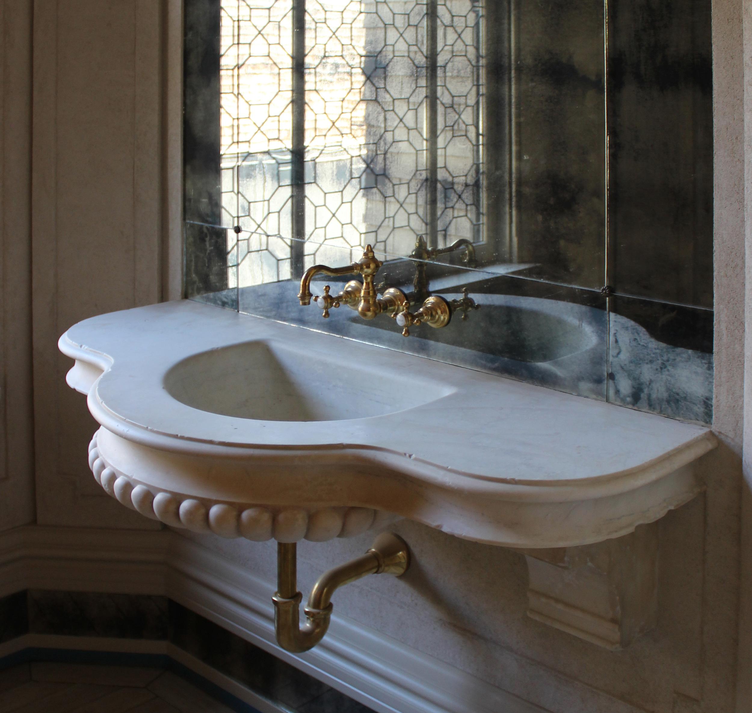 Antiqued Marble Sink