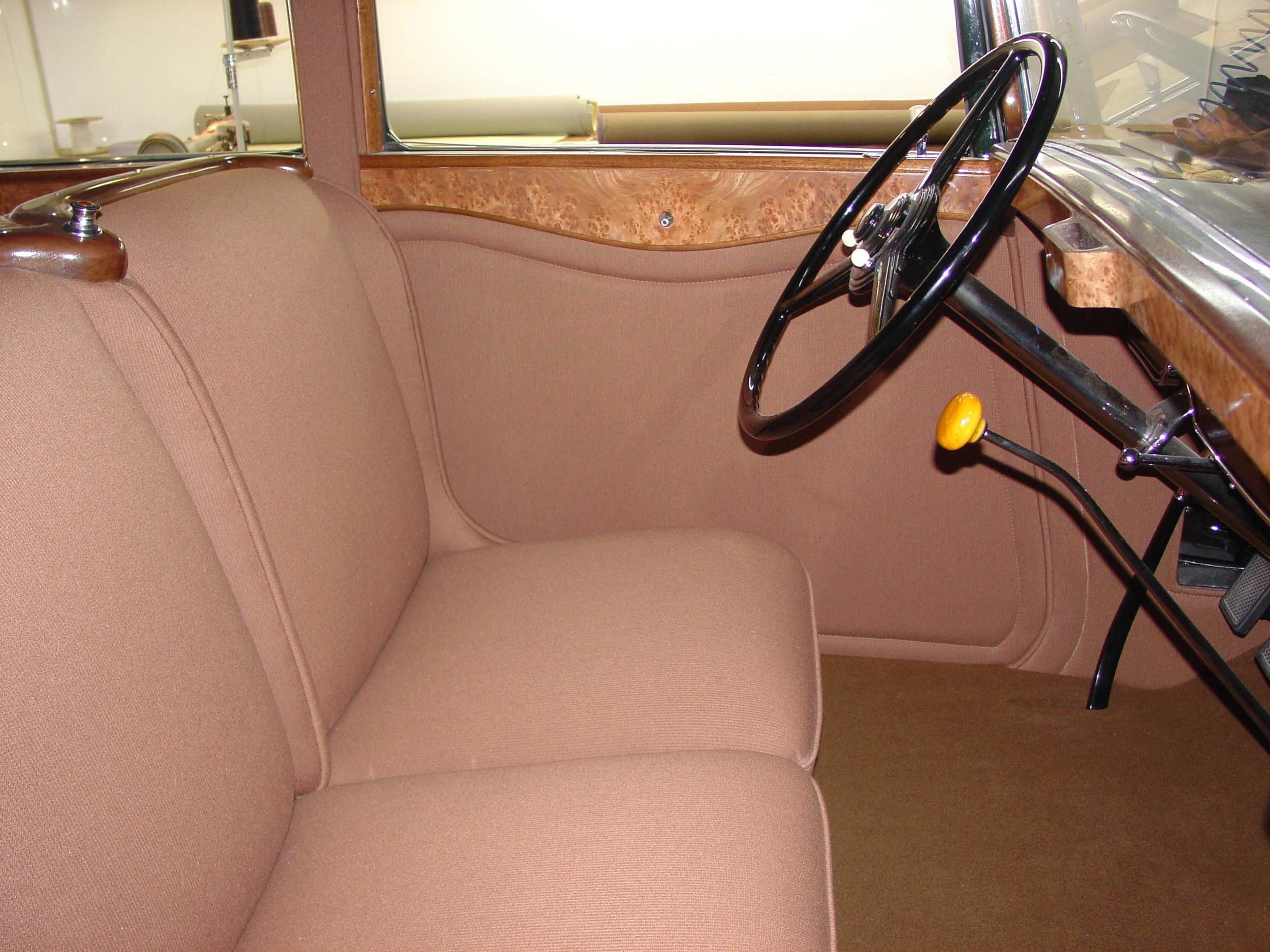32 Packard, Interior Woodwork