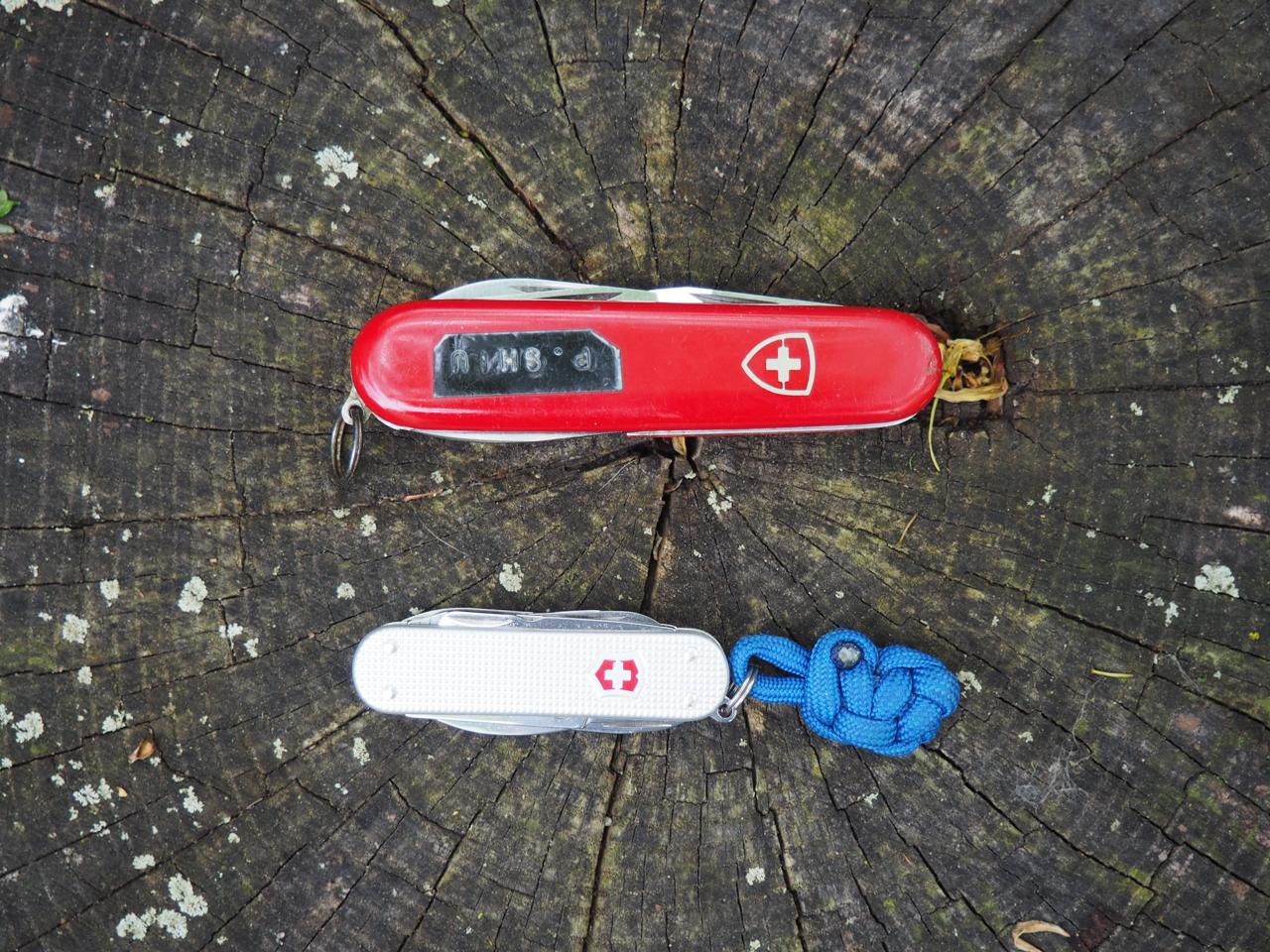 My very old Swiss Army Knive (SAK) and my very new (2015) SAK alox mini-champ
